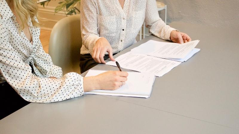 不動産会社と媒介契約を結ぶときの書類